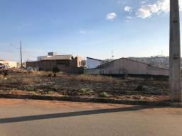 Título do anúncio: Lote comercial no bairro eldorado em para de minas 309 m²