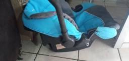 Bebê conforto pouco usado.