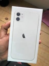Título do anúncio: iPhone 11 Branco 64GB Lacrado com nota fiscal