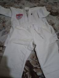 Título do anúncio: Kimono p Taekwondo idade 7a 8 anos
