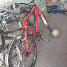 Vendo ou troco 2 bicicletas 700.00