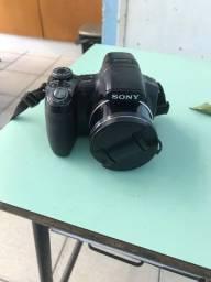 Título do anúncio: Câmera  semi profissional  Sony