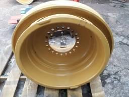 Título do anúncio: Roda da pá carregadeira Caterpillar 950