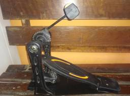 Título do anúncio: Pedal de bateria Semi novo