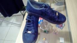 Título do anúncio: Sapato azul marinho?
