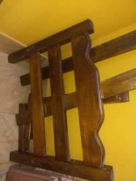 Vende-se cama madeira solteiro