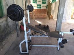 Vende-se aparelhos de musculação