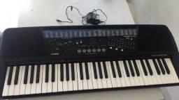Teclado piano elétrico Cassio ToneBank CT-700