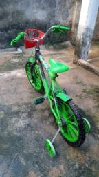 Bicicleta BEN10 infantil