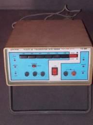 Teste de diodo e transistores no circuito da marca Diatron. Modelo Td 29 p