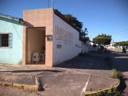 Casa e ponto comercial no Silvino Costa.