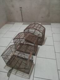 Vendo 3 gaiolas por 80 reais
