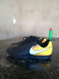 Chuteira Nike Tiempo N°34