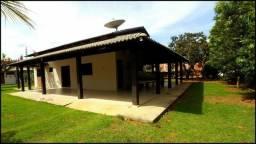 Chácara no Condomínio Country Hall - Casa 3 quartos, 250 m² e Terreno de 2.000 m²