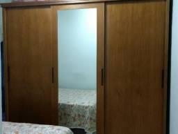 Guarda Roupa Madeira Maciça Imbuia Mel com espelho