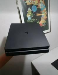 Playstation 4 modelo slim 500gb de memória + 2 controles