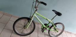 Bicicleta infantil aro 20 só pega e andar