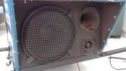 Caixa de som para carro de som