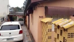 Casa de 2 dormitórios em Alvorada mobiliada rua asfaltada terreno 10 x30