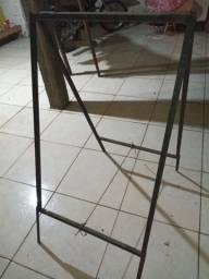 Cavalete de ferro