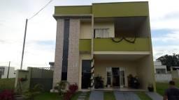Casa de 2 pavimentos em condominio fechado