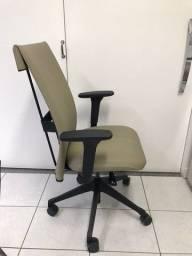 Título do anúncio: Cadeira cavaletti leef com 6 meses de uso