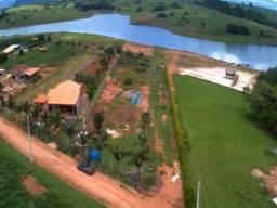 Lindo lote/terreno, na beira da represa em Delfinópolis-MG.
