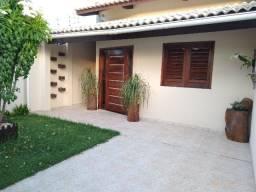 Casa em Paracuru bem localizada e com acabamento de primeira
