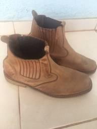 Vendo botas e mais tênis under armour