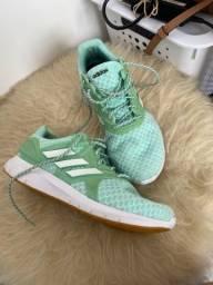 Tênis Adidas 37