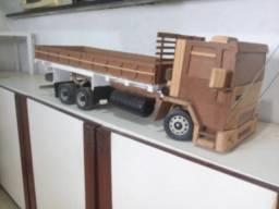 Vende-se miniatura de caminhao ford cargo