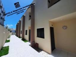 Casa Duplex, no Barro Duro, 3 quartos, 2 suítes, nascente.