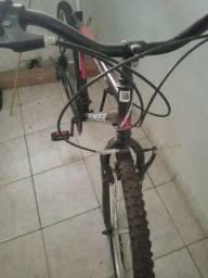Vendo essa bicicleta está nova só com um pouco de poeira valor 400.00