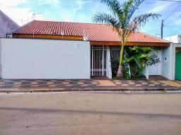 Título do anúncio: Casa à venda no bairro Parque Santa Cândida, em Araras