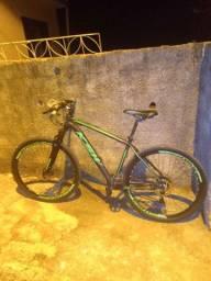 Bicicleta basicamente nova