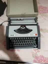 Máquina de escrever ollivetti tropical