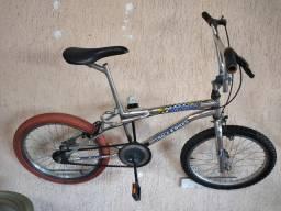 Bike BMX aro 20cor plata