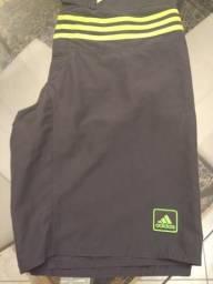 Bermuda Adidas, tamanho M