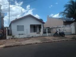 Vendo 01 Casa com otimo terreno