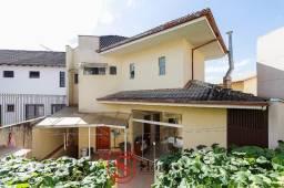 Casa com 3 quartos e 5 vagas para aluguel no Guabirotuba em Curitiba - PR