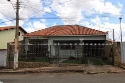 Casa com 3 quartos no bairro Serra Azul