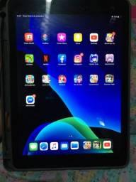 IPad 5ª geração retina wifi e 4g