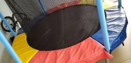 Vendo Pula-pula semi-novo com Barras de proteção