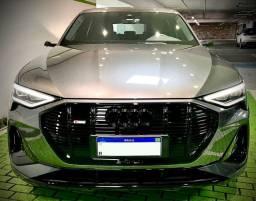 Título do anúncio: Audi E-Tron Performance Black (Impecável)