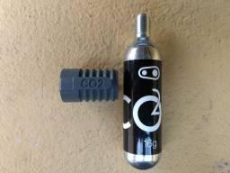Bico Inflador Para Co2 Crankbrothers com refil nunca usado