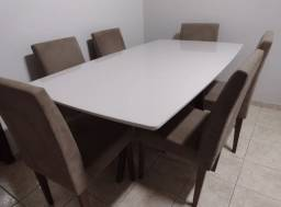 Conjunto de mesa com tampo de laca e vidro