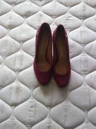 Sapato veludo vermelho Vizzano né 36
