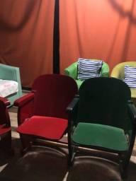 Título do anúncio: Cadeiras duplas estilo retrô