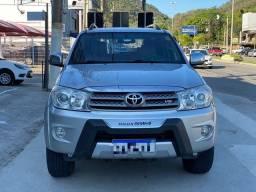 Título do anúncio: SW4 SRV V6 Gasolina ((( 30.000km Único Dono ))) 7 Lugares
