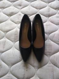 Sapato preto via uno né 37